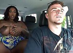 Sexy Black BBW Dippd N Redd Fucks White Limo Driver